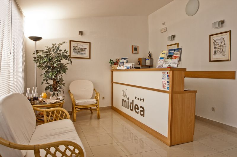Villa Midea   Reception 001