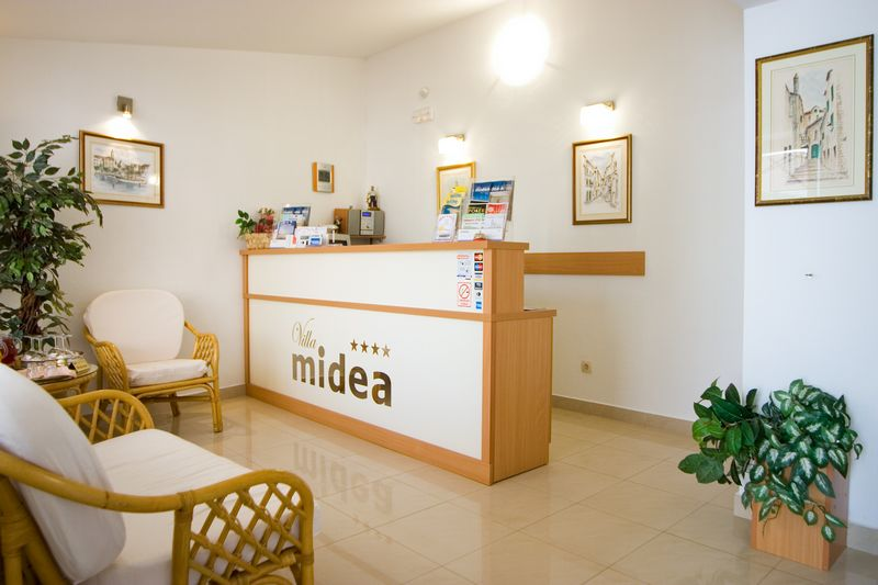 Villa Midea - Reception 008