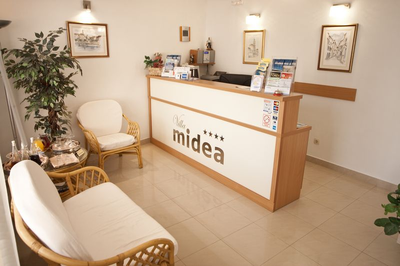 Villa Midea   Reception 004